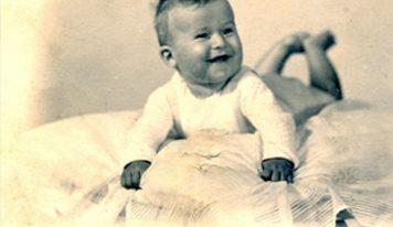 הולנד, 1944: תינוק יהודי נולד בבּוֹר