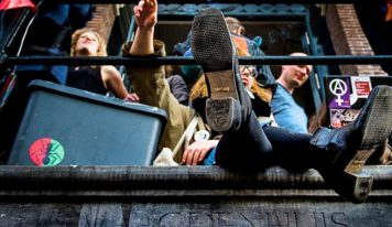 דאצ'ניוז: הסטודנטים מחליפים את הנהלת האוניברסיטה באמסטרדם