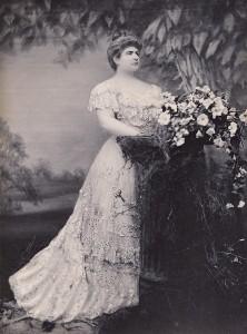 הברונית הלנה רוטשילד (מתוך עמוד הפייסבוק של טירת דה האאר)