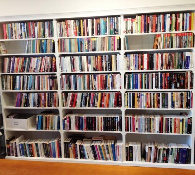 אגף הספרים למבוגרים בספריה העברית בהאג
