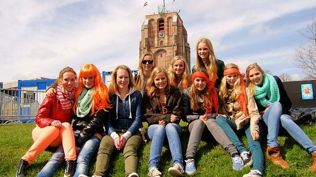 Happy Girls, celebrating the new king (Hindrik Sijens, Flickr, CC License)