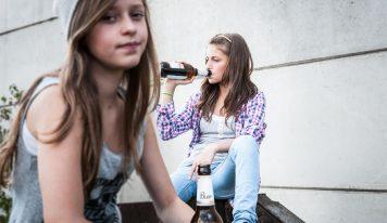 דאצ'ניוז: הרעלת אלכוהול – בני הנוער שותים עד אובדן הכרה