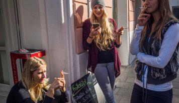 מעשנים במסעדה בהולנד? צאו בחוץ!