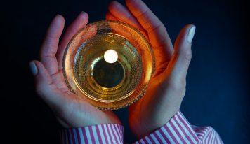 מדריך הישרדות: כיצד לעבור את חג החנוכה בלי להפוך לסופגנייה