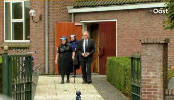 דאצ'ניוז: תפילות המוניות בכנסיות בהולנד – למרות מגבלות הקורונה
