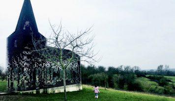 קפיצה לבלגיה: אמנות באוויר הפתוח