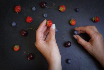 אקנה ותזונה – איך עושים את זה נכון