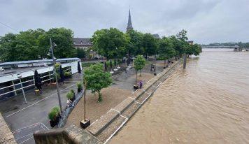 סכר בדרום הולנד נפרץ, תושבים נקראו להתפנות